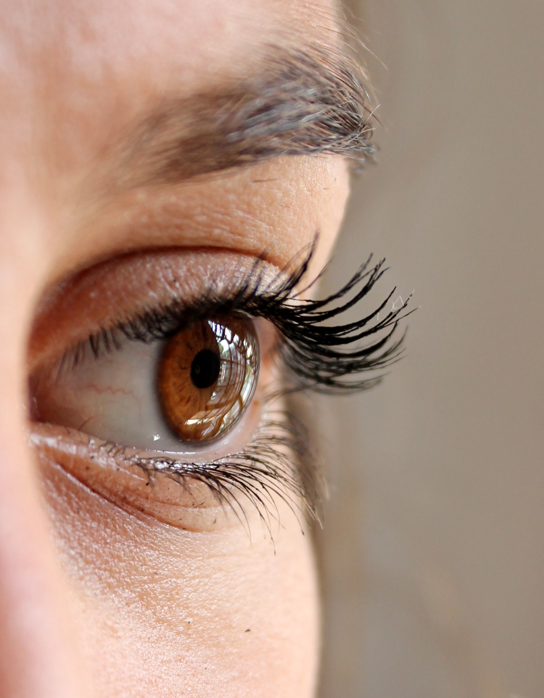 How To Get That Fluttery Fake Lash Look With None Of The Faff Of